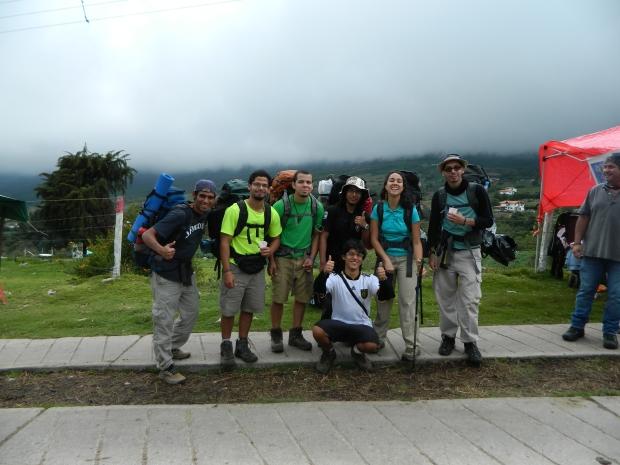 De izquierda a derecha: Jacinto, Yuri, Vidal, René, Patricia, Alejandro. Abajo: Yo.